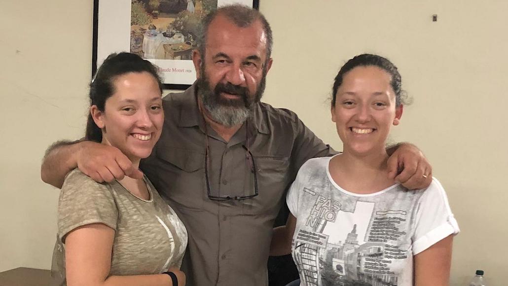 Il regista Francesco Falaschi con le Allieve Noemi e Giorgia Tognoni