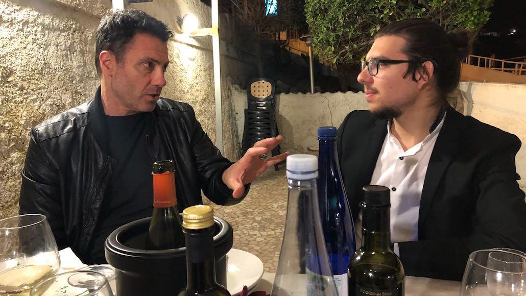 """Al Ristorante """"Il Solito Posto"""" di Salivoli a Piombino si pattuisce a tavola gli accordi per girare il cortometraggio di fine corso di Recitazione con Marco Falaguasta e Lorenzo Antonioni. Era l'estate del 2018"""