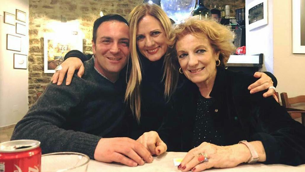 Al Ristorante Il Peccato di Piombino Gianna e il docente Fioretta Mari dopo una lezione di Recitazione alle Muse. Era il 2016