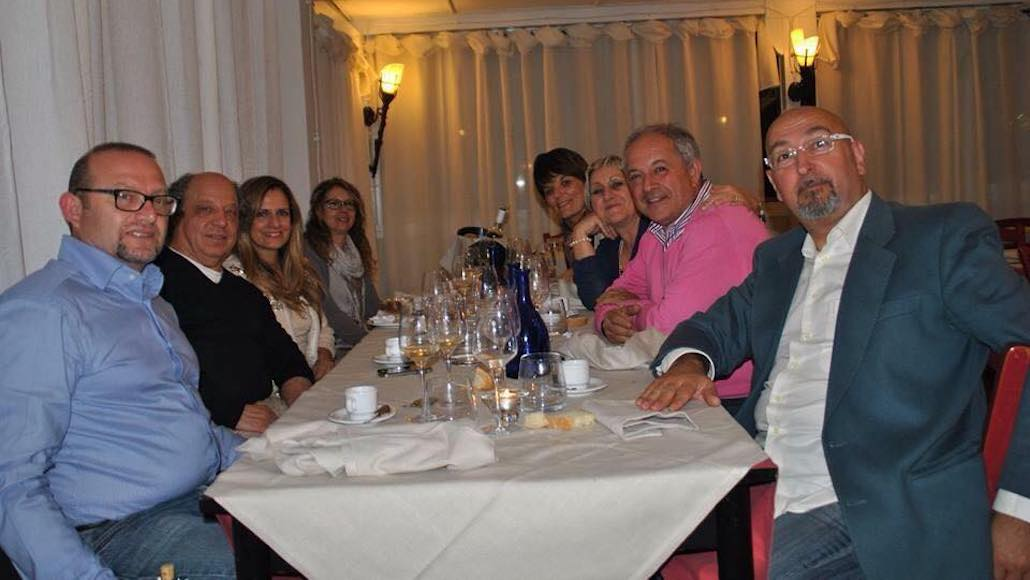Al Ristorante Da Luca di Piombino Le Muse celebrano il Maestro Fio Zanotti dopo una giornata di Corso di Canto. Era il 2015