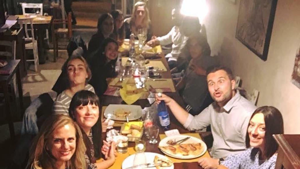 Al Ristorante Il Boccon di vino la Classe di Simone Terranova dopo una bella giornata di Corso Acting on the set